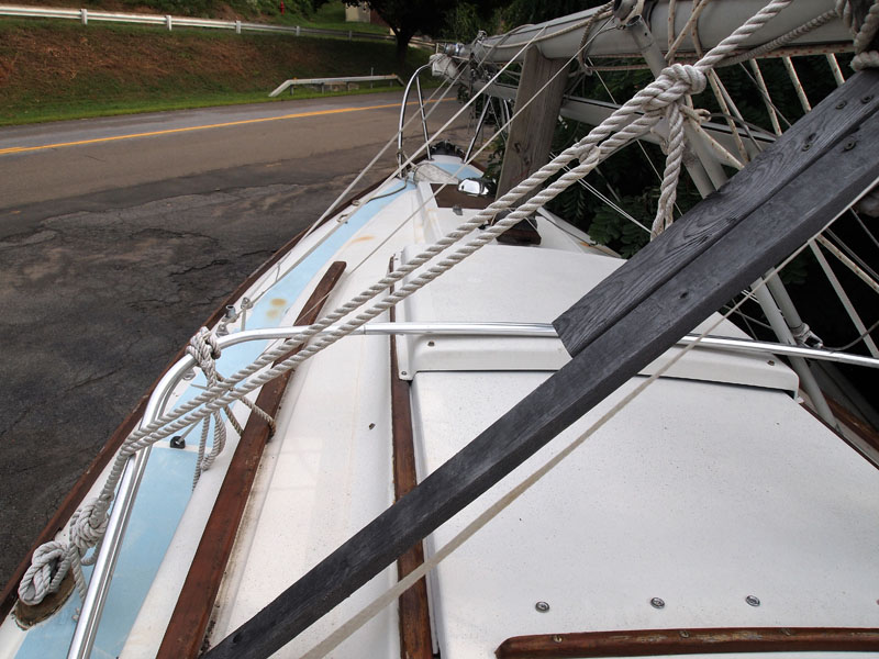 25' Feet 1976 Cape Dory Yachts